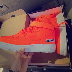 "Nike ""just do it"" LV8 leather Air Force 1 mid"